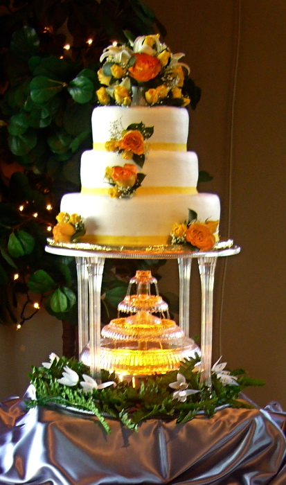 waterfall wedding cake my tucson wedding. Black Bedroom Furniture Sets. Home Design Ideas