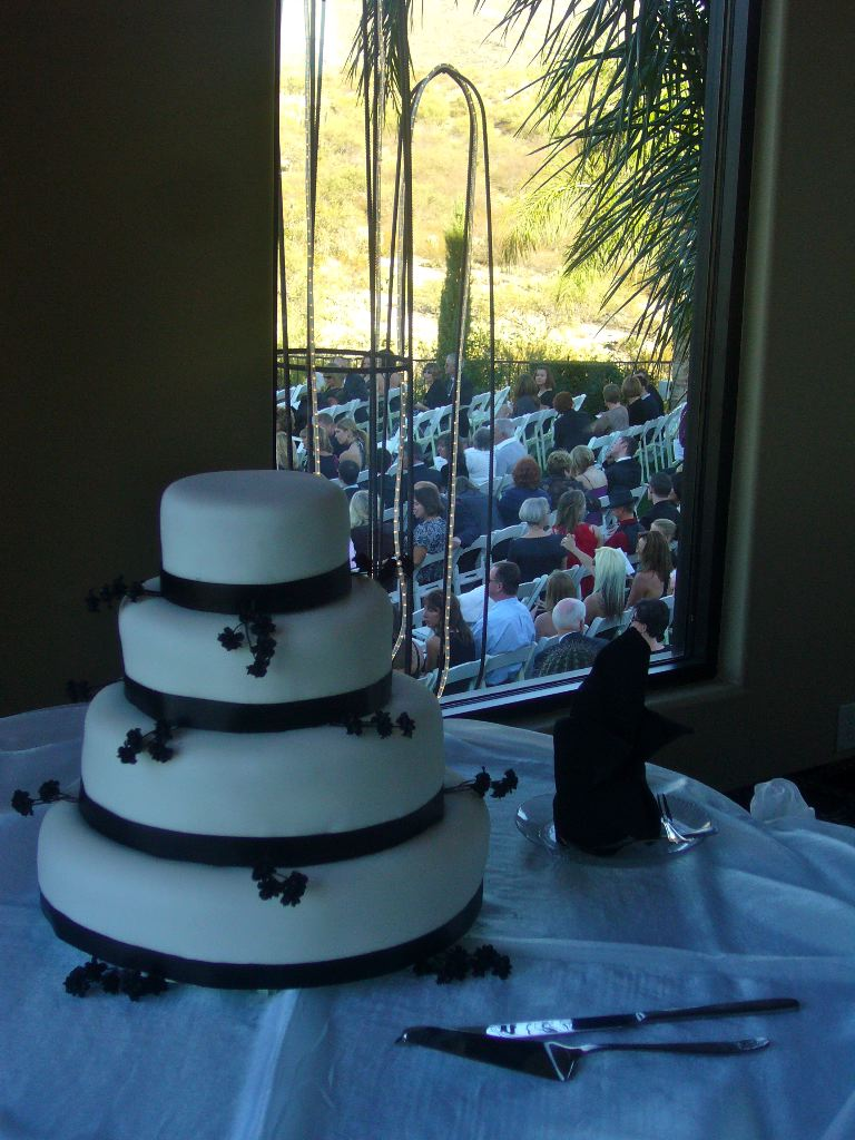 what is the average cost of a wedding cake my tucson wedding