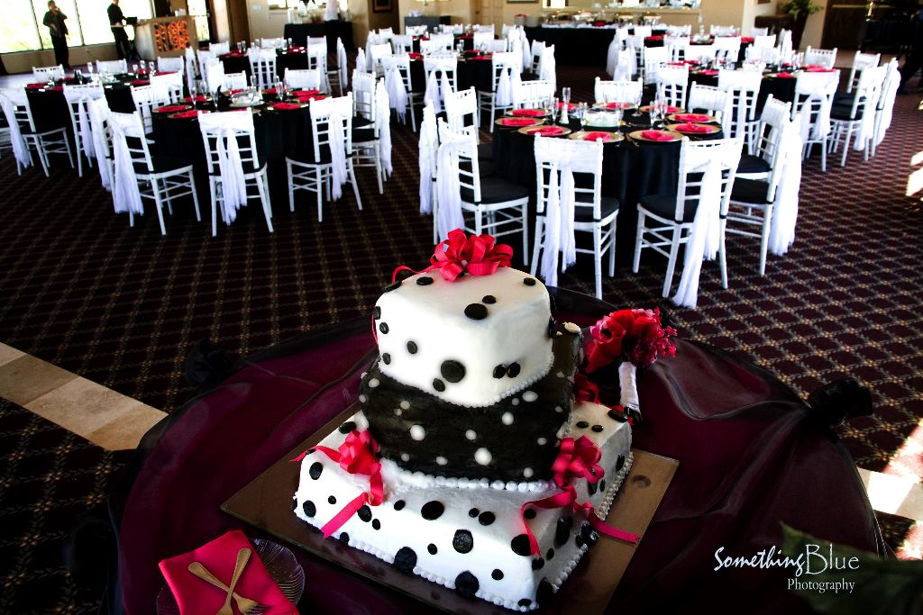 Black And Silver Wedding. coordinated the wedding cake