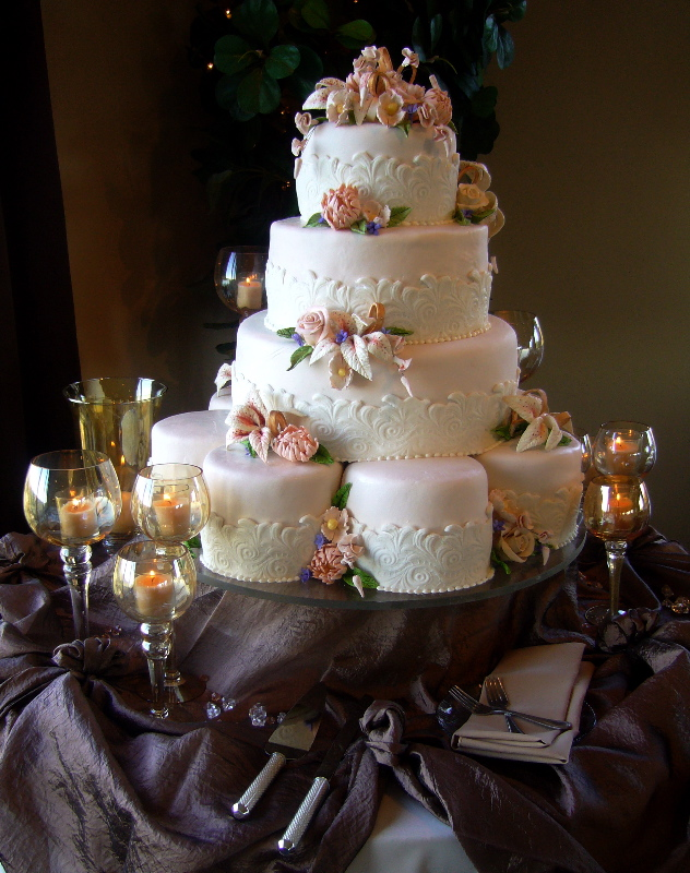 tradition of eating wedding cake on first anniversary history of the wedding cake my tucson wedding 21231