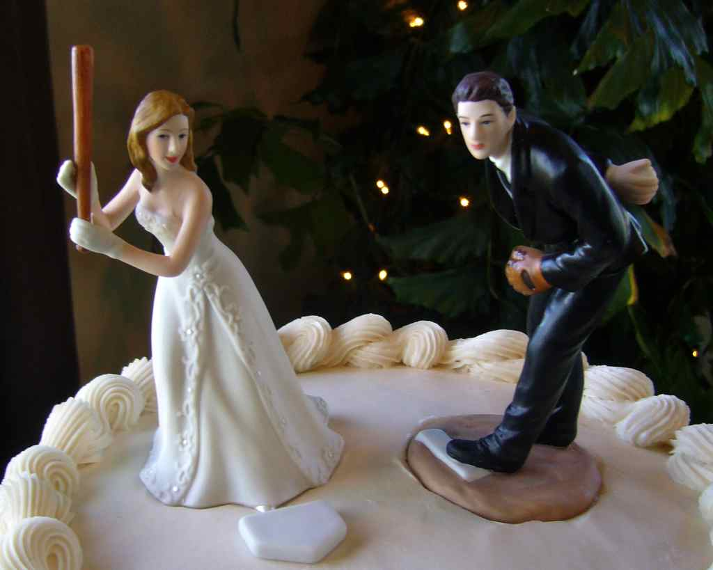 funny wedding cake toppers pictures wedding cake toppers my tucson wedding 14604