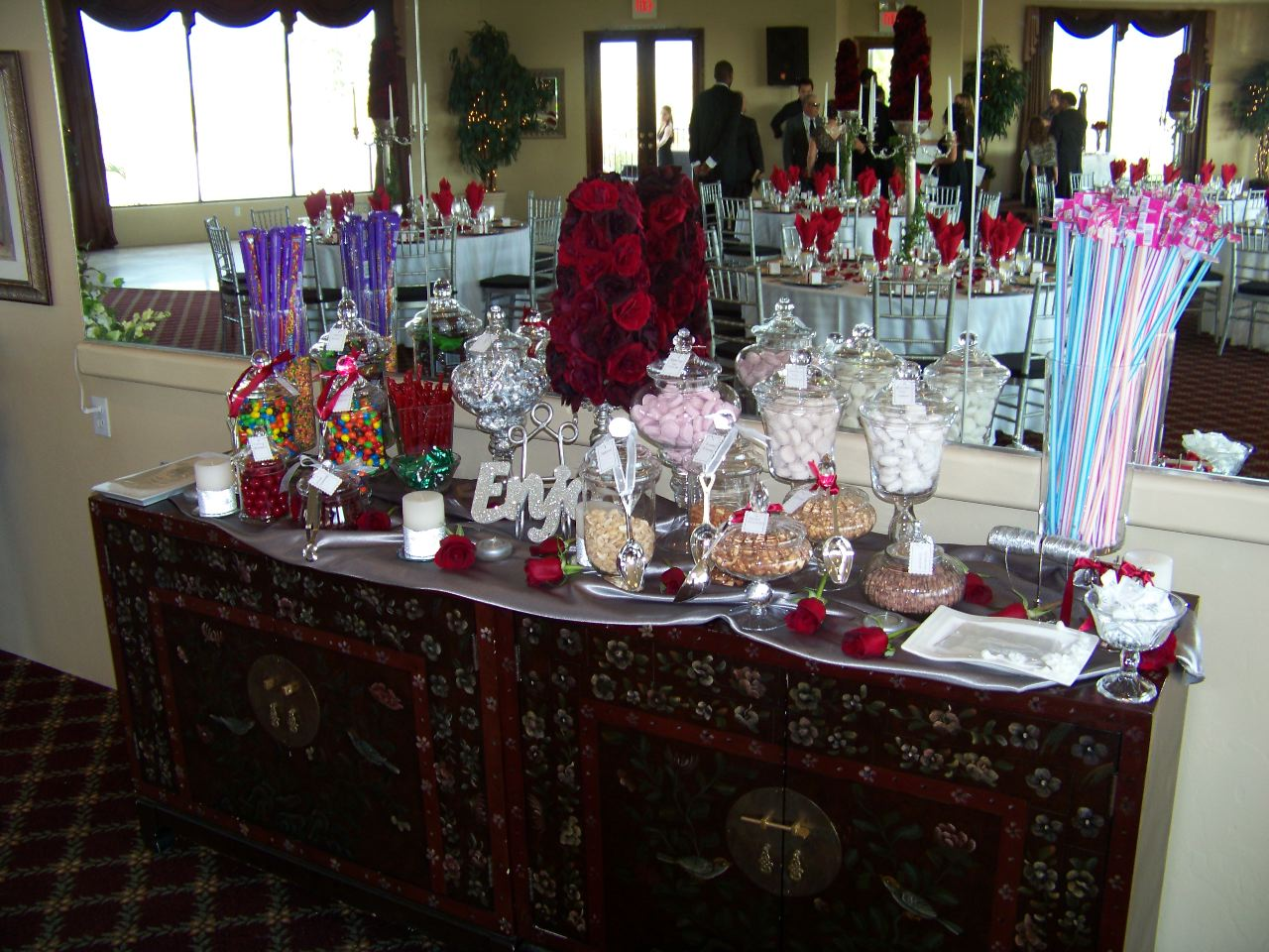 Wedding candy station my tucson wedding for Candy bar for weddings receptions