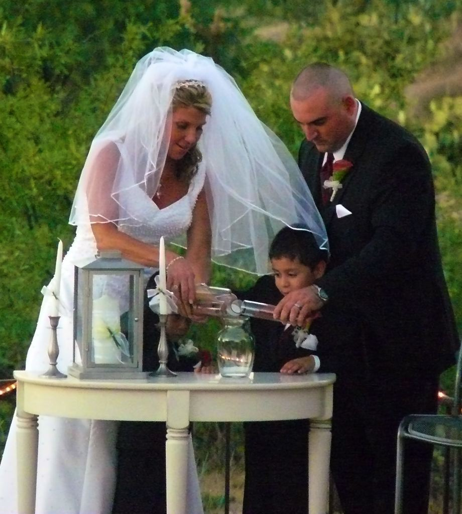 A Wonderful Way Of Including Children In Wedding Ceremony Is To Include Them Unity Sand This Part The Usually Done After